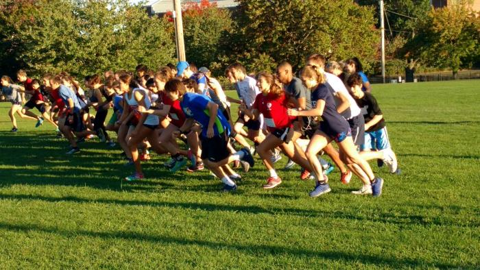 The finals of the 2016 IM cross-country race won by Davenport College for the men's division and Berkeley College for the women's division.